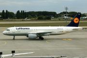 Airbus A320-214 (D-AIZN)