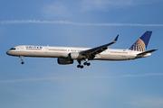 Boeing 757-33N(WL) (N77867)
