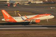 Airbus A320-214 (WL) (G-EZPU)