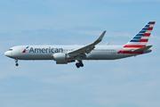 Boeing 767-323/ER (N390AA)