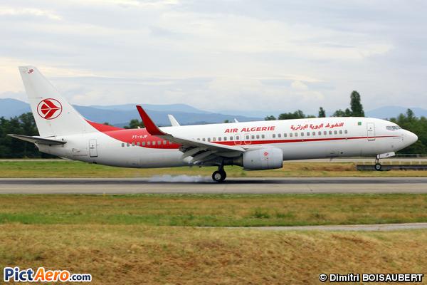 Boeing 737-8D6 (Air Algérie)