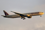 Boeing 777-3DZ/ER (A7-BAU)