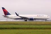 Boeing 767-332/ER (N169DZ)