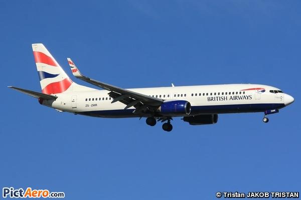 Boeing 737-85P (Comair)