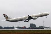 Airbus A340-642 (A6-EHK)