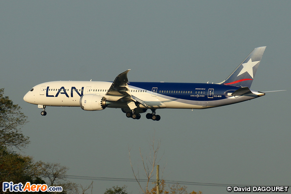 Boeing 787-9 Dreamliner (LATAM Airlines Chile)