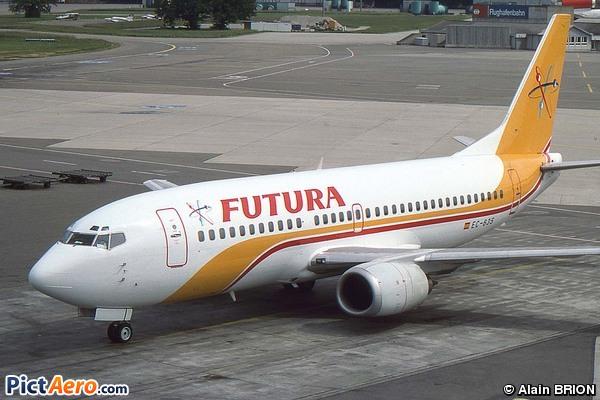 Boeing 737-3Y0 (Futura International Airways)
