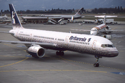 Boeing 757-204 (G-BYAK)