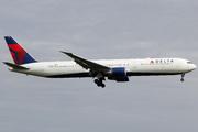 Boeing 767-432/ER (N838MH)