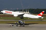 Boeing 777-3DE(ER) (HB-JND)