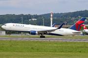 Boeing 767-332/ER (N171DN)