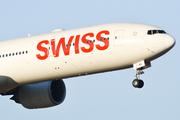 Boeing 777-3DE(ER) (HB-JNE)