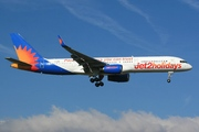 Boeing 757-2K2(WL) (G-LSAN)