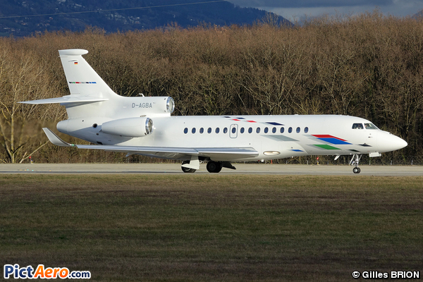 Dassault Falcon 8x (VW Air Services)