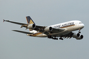 Airbus A380-841 (9V-SKM)