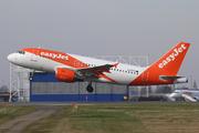 Airbus A319-111 (G-EZFN)