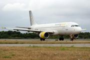 Airbus A320-214 (EC-LAB)
