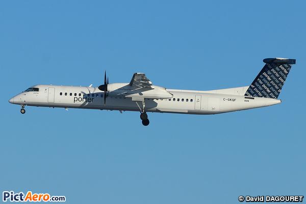 DASH8-Q402 (Porter Airlines Inc.)