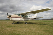Cessna TU206G (F-HXLA)