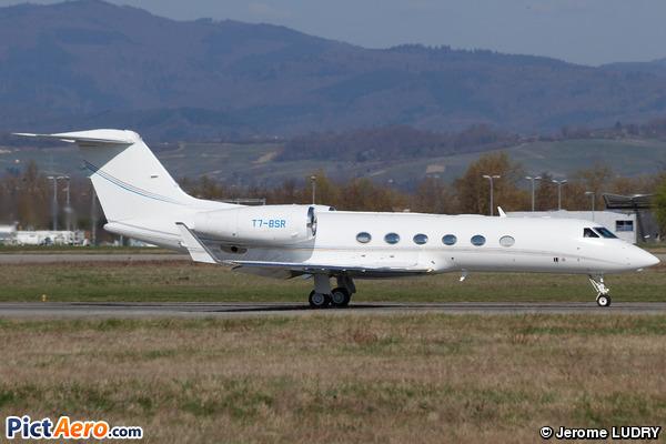 Gulfstream Aerospace G-IV-X Gulfstream G450 (Private / Privé)