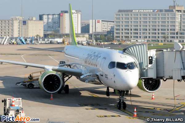 Bombardier CSeries CS300 (BD-500-1A11) (Air Baltic)