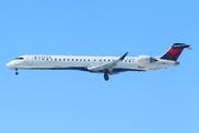 Bombardier CRJ-900 NG (CL-600-2D24) (N135EV)