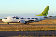 Boeing 737-53S (YL-BBD)