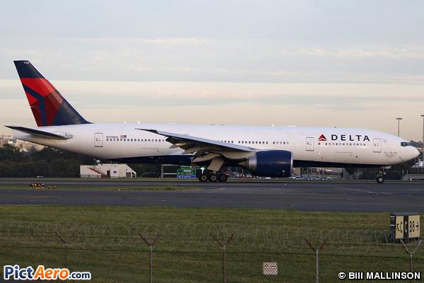 Boeing 777-232/LR (Delta Air Lines)