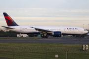 Boeing 777-232/LR (N708DN)