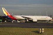 Boeing 777-28E/ER (HL7755)