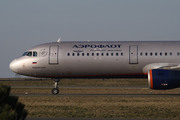 Airbus A321-211 (VP-BWP)