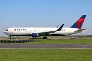Boeing 767-332/ER (N175DN)