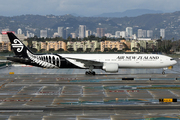 Boeing 777-319/ER (ZK-OKN)