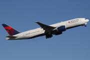 Boeing 777-232/LR (N704DK)