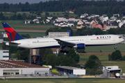 Boeing 767-432/ER (N843MH)