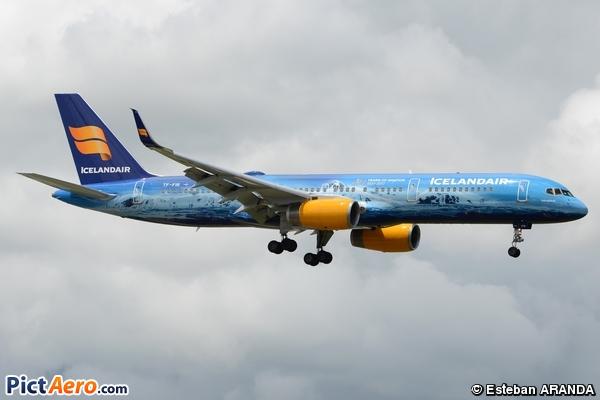 Boeing 757-256/WL (Icelandair)