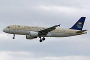 Airbus A320-214 (HZ-ASB)