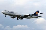 Boeing 747-830 (D-ABYG)