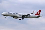 Airbus A321-214 (TC-JSE)