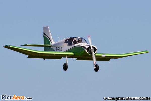 Jodel D-140E Mousquetaire (privé)