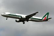 Airbus A321-112 (I-BIXS)