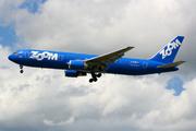 Boeing 767-328/ER (C-GZMM)