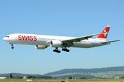 Boeing 777-3DE/ER (HB-JNA)