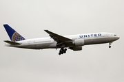 Boeing 777-224/ER (N77012)