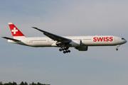 Boeing 777-3DE/ER (HB-JND)