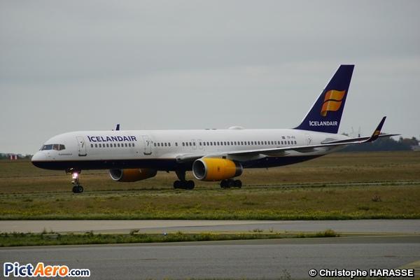 Boeing 757-208 (Icelandair)