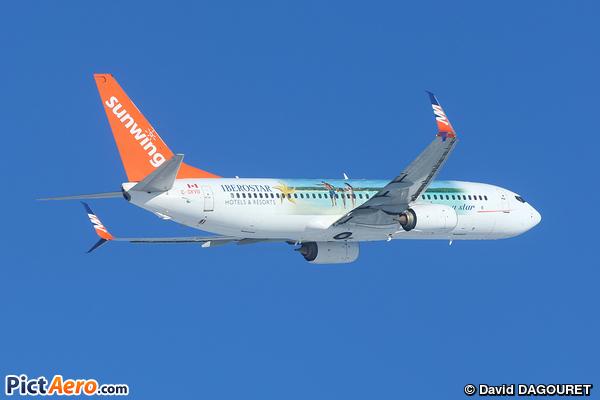 Boeing 737-86N (Sunwing Airlines)