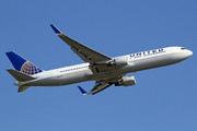 Boeing 767-322/ER (N672UA)