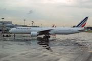 Boeing 777-328/ER (F-GSQJ)
