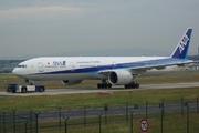 Boeing 777-381/ER (JA790A)